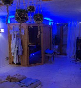 Loxone Sauna Beleuchtung blau